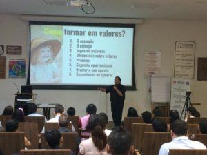 10-300x225 Palestra: Como formar valores nos filhos